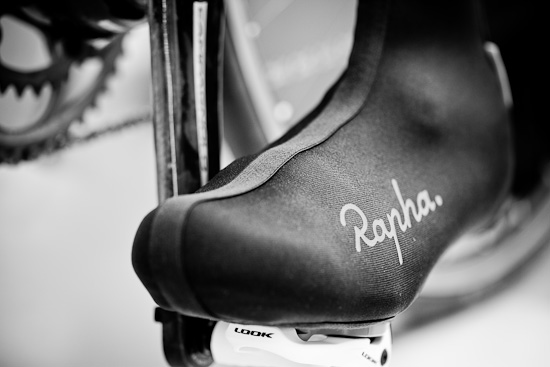 The Rapha Overshoes have very clean lines with a nicely positioned logo on the outside of each foot