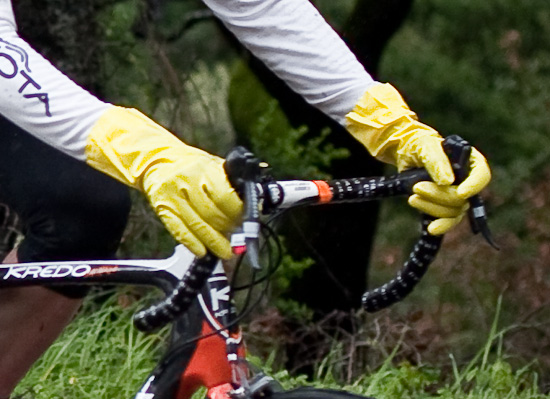 Yellow Rubbermaid gloves make an appearance at the Tour of California